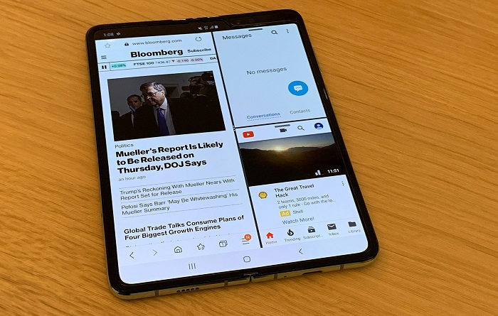 Samsung Galaxy Fold: A Crease, a Click, and It's Thick