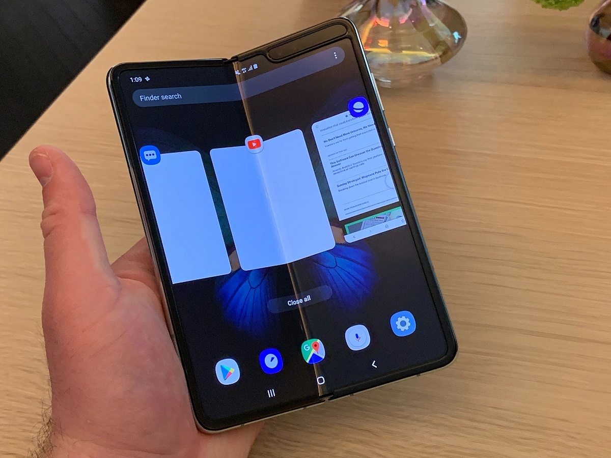 Samsung Could Kill Folding Phone Market - Businessliveme.com