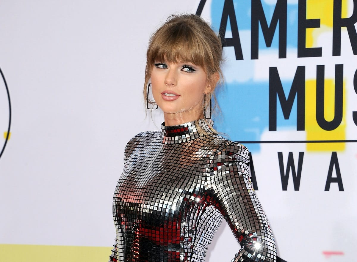 Taylor Swift Is Cleared To Perform Past Hits At Awards Show