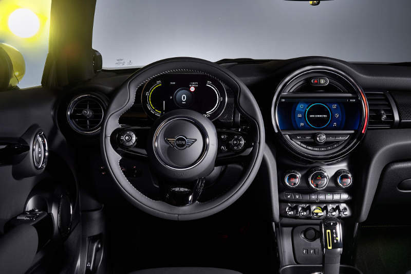 Electric Mini Cooper SE First Drive Review: Specs, Photos