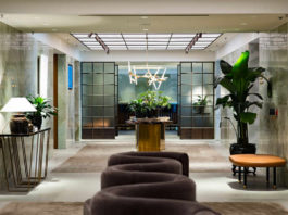The Pier First Class Lounge, Hong Kong