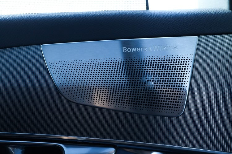 Volvo XC90: Luxury and Performance meet Swedish Minimalism
