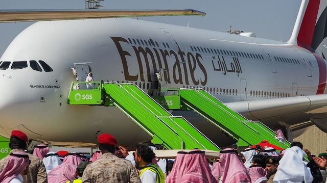 Airlines Carnage Worsens With Emirates, Singapore Air Cuts