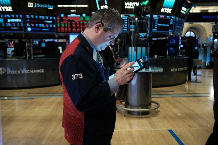 Morgan Stanley, Goldman See Virus Causing Greater Economic Pain
