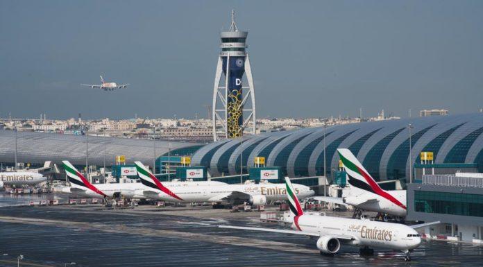 U.A.E. Halts Flights, Boosts Stimulus to Fend Off Virus Impact