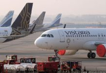 bloomberg Airlines Caught Unawares as India Allows Local Flights to Resume