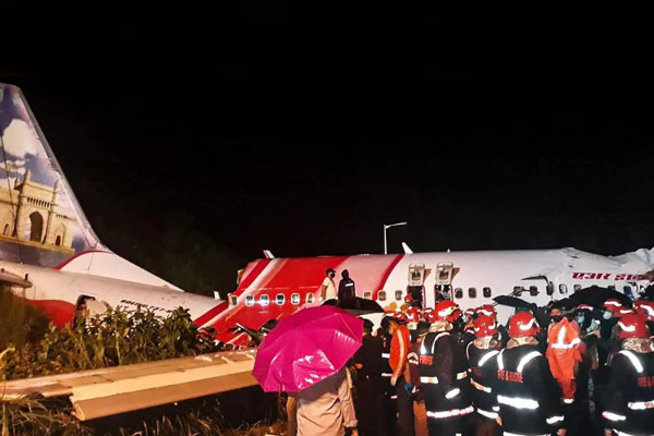 UAE feels the pain of Air India Express plane crash in Kerala